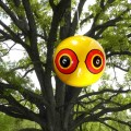 scare-eye-balloons-tree